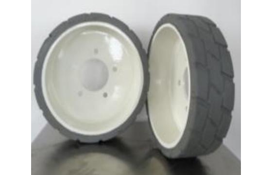 13.5X4(96) Snorkel MB Rear Scissor Lift Tire & Wheel Assembly