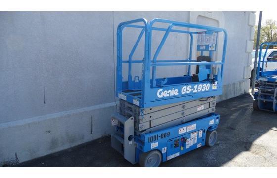2013 Genie GS-1930 Electric Scissor Lift