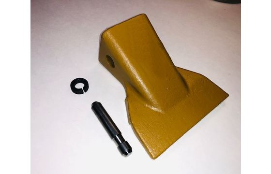 Caterpillar HD Flare Wide Tip Bucket Teeth with Pin and Retainer Clip Part 1863010