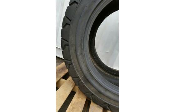 18-625 Tire - Turf tread - Tire only JLG & GENIE Boom lifts 18x625 Tyre X 1