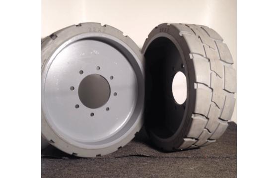 Genie Z-40/23N RJ Solid Tire & Wheel Assembly - Rear, Part:110877