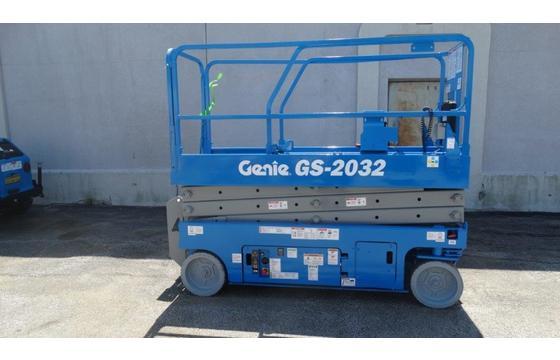 2007 Genie GS-2032 Electric Scissor Lift