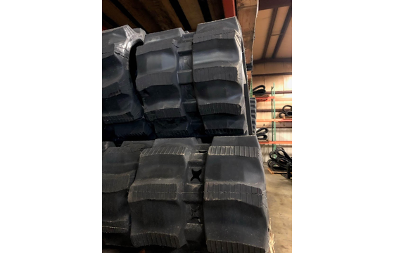 450X86X56 Rubber Track - Fits Mustang Models: 2100RT / 2150RT, Staggered Block Tread Pattern