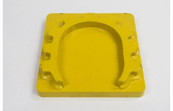 Hydraulic Post Driver - Floating Horseshoe Plate